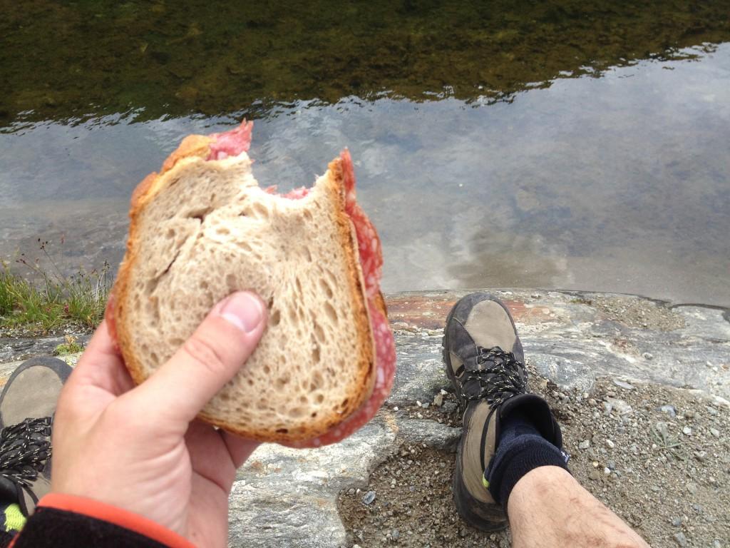 Nie schmeckt ein Sandwich besser als beim Wandern