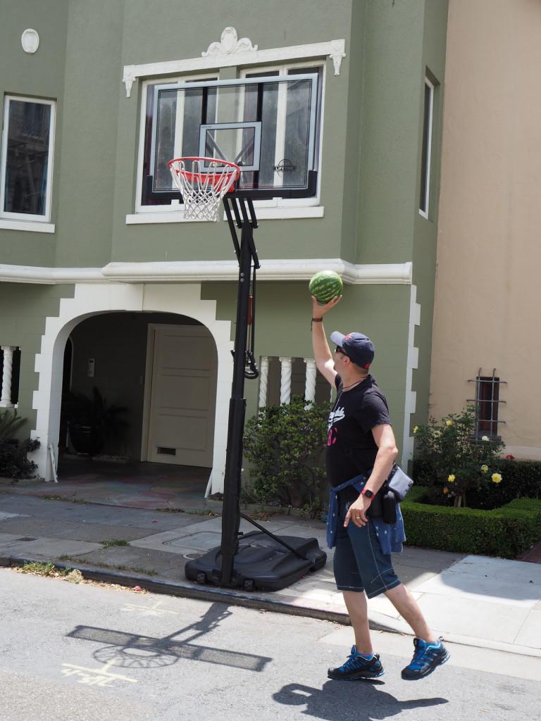 San Francisco Basketspiel mit der Wassermelone